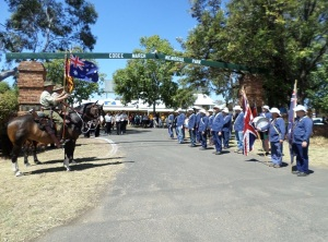 Memorial wreath-laying and flag raising ceremony at Cooee March Memorial Park (Photograph: H. Thompson 4/10/2014)