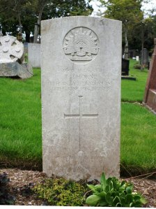 Thomas Thorne's headstone at Plymouth (Efford) Cemetery, England (Photograph: H. Thompson 24/8/2014)
