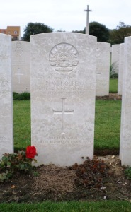Percy Walter Holpen's headstone, Le Baraques Military Cemetery, France (Photograph: H. Thompson 28/8/2014)