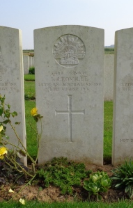 Lewis Leoville's headstone at Warloy-Baillon Communal Cemetery Extension, France (Photograph: H. Thompson 4/9/2014)