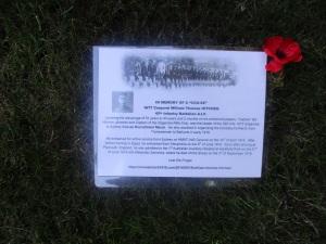 Commemorative card on Bill Hitchen's grave 26/8/2016 (Photograph: S. & H. Thompson)
